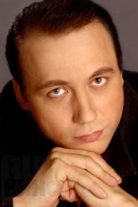 Актер Егор Дронов